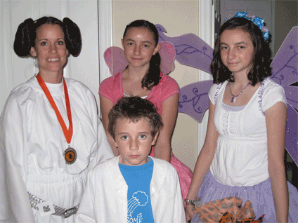 This is my friend Robyn, I mean Leia, and her kiddies. Robyn won the best costume prize this year.