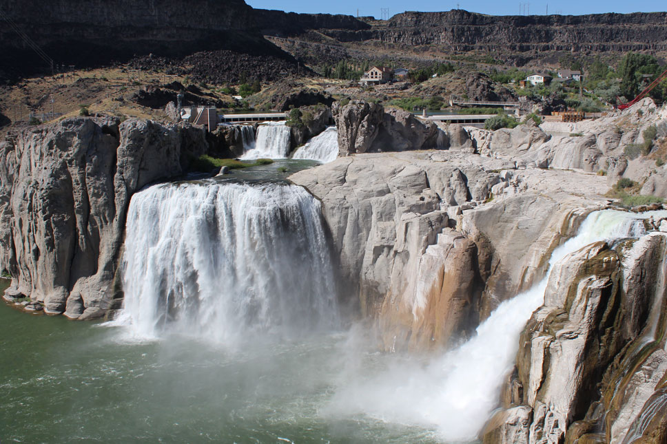 At Shoshone Falls, the Snake River drops 212 feet. That's more than 50 feet further than Niagara.