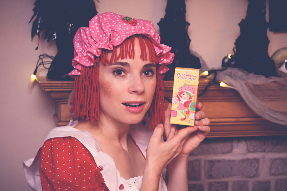 I wanted to smell berry nice, like a Strawberry Shortcake toy, so I wore this fine fragrance made by American Greetings. Since it was designed by a greeting card company, I knew it would be full of sunshine and smiles.