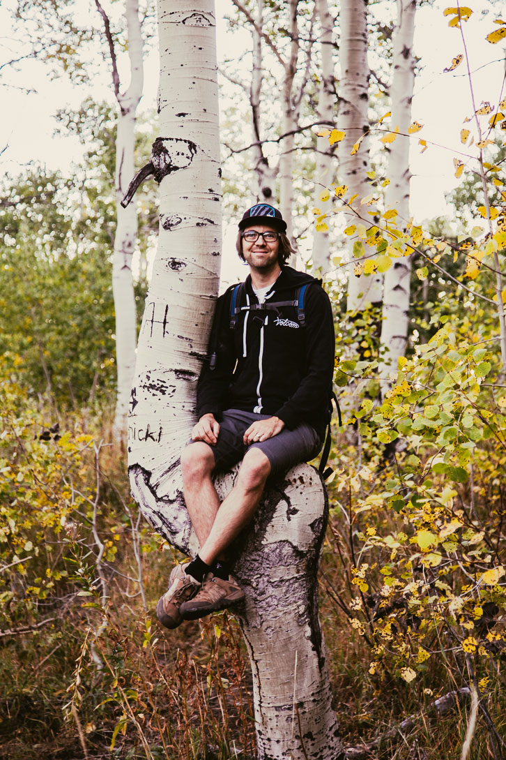 A warped aspen offered Jason a perfect perch as we progressed along Horse Flat.
