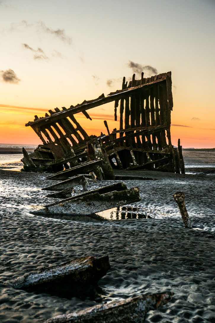 The Peter Iredale was left to bleach and rust on Clatsop Spit.
